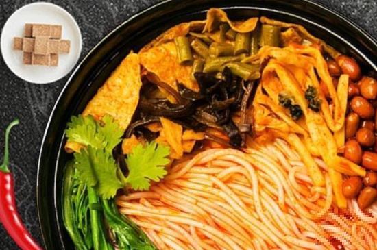 螺蛳粉,广西著名小吃,令中外美食爱好者垂涎回味