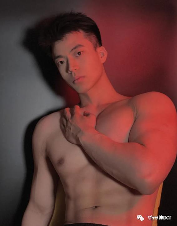 比李现还帅的北京健身私教,这身材太让人上头了!